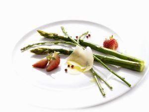 lauwarmer spargelsalat mit h hnchenbrust rezept eat smarter. Black Bedroom Furniture Sets. Home Design Ideas