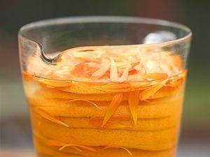 Likör mit Ringelblume und Orange Rezept