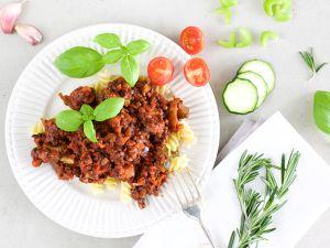 Vegane Linsen-Bolognese: eiweißreich & sättigend