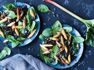 Linsensalat mit Spinat, Rhabarber und Spargel Rezept