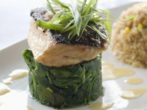Loup de mer auf Spinat Rezept