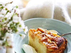 Luftiger Sauerrahm-Apfelkuchen Rezept