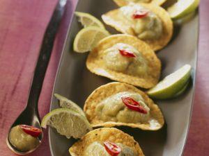 Maischips mit Avocadocreme Rezept