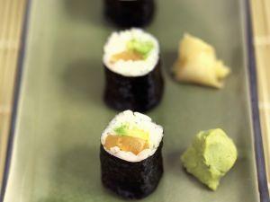 Maki mit Lachs und Avocado Rezept