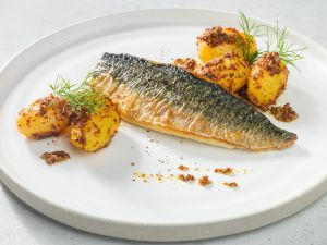 Makrelenfilet mit Dill-Senf-Kartoffeln Rezept