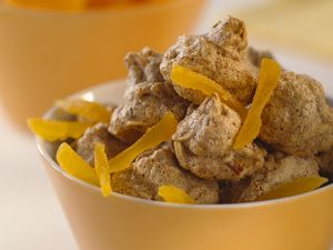 Makronen mit Haferflocken, Buchweizen und Aprikosen Rezept