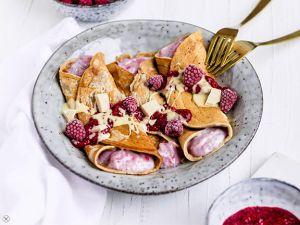 Mandel-Pancakes mit Himbeerjoghurt