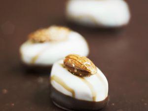 Mandel-Schokoladen-Pralinen Rezept