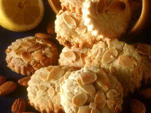 Mandel-Zitronen-Plätzchen Rezept