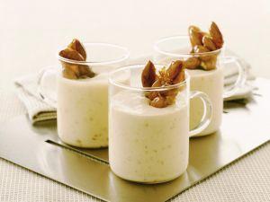 Mandelmousse mit Karamell-Mandeln Rezept