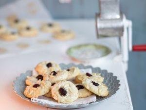 Mandelplätzchen mit Cranberries und weißer Schokolade Rezept