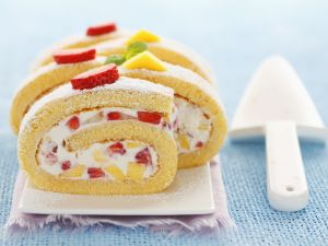 Mango-Erdbeer-Roulade mit Mascarpone Rezept