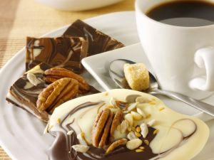 Marmorschokolade mit Nüsssen Rezept