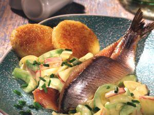 Matjesfilets mit Gurken-Salat Rezept