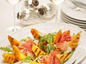 Melone vom Grill mit Salat Rezept