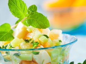 Melonen-Gurkensalat mit Feta Rezept