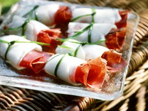 Melonenröllchen mit Bündnerfleisch Rezept