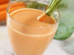 Milchshake mit Möhren und Mandel Rezept