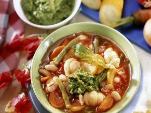 Minestrone mit grünem Pesto Rezept