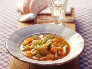 Minestrone mit Sellerie und Möhren Rezept