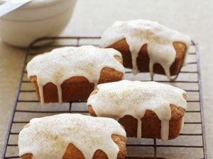 Mini-Apfelkuchen mit Zuckerguss Rezept
