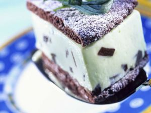 Minzcreme-Eistorte Rezept