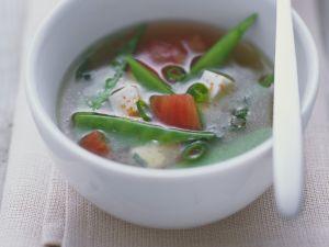 Misosuppe mit Kaiserschoten, Tomaten und Tofu Rezept