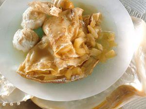 Mit Äpfeln gefüllte Pfannkuchen Rezept