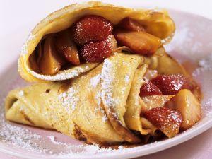 Mit Erdbeeren gefüllte Pfannkuchen Rezept
