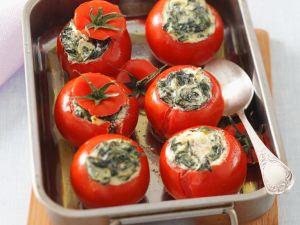 Mit Ricotta gefüllte Tomaten Rezept