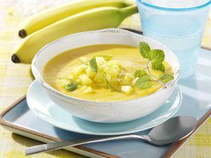 Möhren-Orangensuppe mit Ananas und Banane Rezept