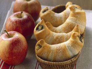 Mohn-Apfel-Hörnchen Rezept