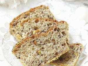 Mohn-Nuss-Brot zu Ostern Rezept