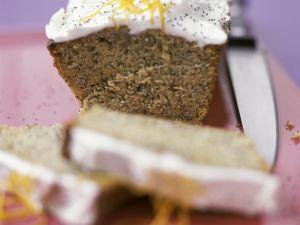 Mohn Schokoladenkuchen mit Zitronensahnehaube Rezept