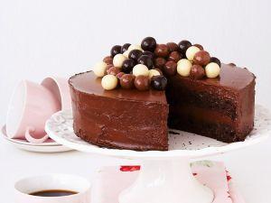 Mousse-au-chocolate-Torte Rezept