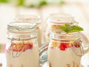 Müsli mit Beeren und Joghurt Rezept