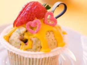 Muffins mit Erdbeeren und Eierlikör Rezept