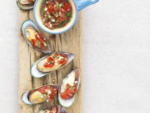 Muscheln mit Tomatensalsa Rezept