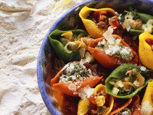 Muschelpasta mit Füllung Rezept