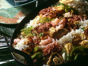 Nasi Goreng mit zweierlei Reis Rezept