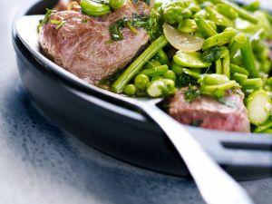 Navarin vom Lamm mit Erbsen und Bohnen Rezept