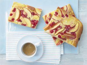 Nektarinen-Johannisbeer-Kuchen Rezept