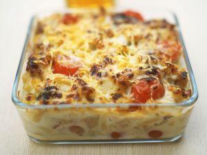 Nudel-Fenchel-Gratin mit Tomaten Rezept