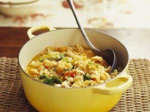 Nudel-Gemüse-Suppe mit Bohnen Rezept