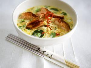 Nudel-Lachs-Curry mit Kokosmilch Rezept