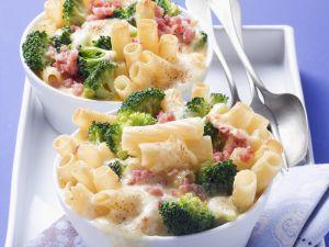 Nudelauflauf mit Brokkoli und Schinkenwürfel Rezept