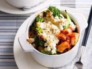 Nudelgratin mit Brokkoli und Frischkäse Rezept