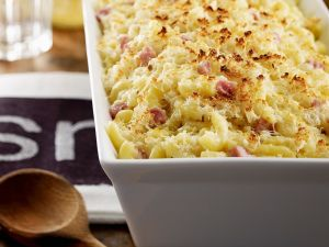 Nudelgratin mit Käse und Schinken Rezept