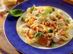 Nudeln mit Fisch und Gemüse Rezept