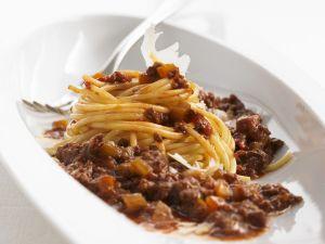 Nudeln mit Fleischsoße (Bolognese) Rezept